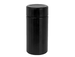 設計図でも入っていそうな黒い筒型の本体。一般的なカップホールよりも高級感があり、フタまで付いています。