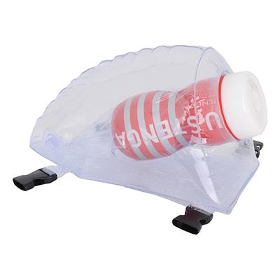 カップホールの中でも大型の「<a href=&quot;https://www.e-nls.com/pict1-4715&quot; target=&quot;_blank&quot;>US・TENGA・ディープスロートカップ</a>」を装着。ケースがあるので安定感抜群です。