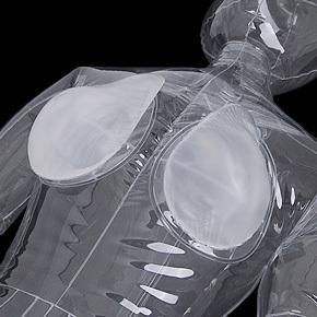 【小・クリア】ラブドールとのマッチングを考慮して開発したのがこのタイプ。透明ボディとの一体感は完璧です。
