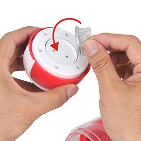 【使用手順1】回転ユニットを外し、お好きなアタッチメントを取り付けます。マグネットなので合わせるだけでOK。