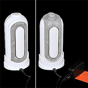 ACアダプタ付属のUSB充電式で、フル充電まで約1.5時間。連続可動は約40分です。どちら向きに置いてもOK。