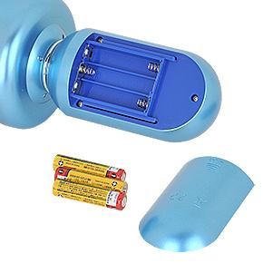 電源は単四電池×3本(付属)。電池ボックスは操作ユニットの裏側にあり、正常動作はアルカリ電池推奨です。