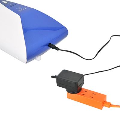 AC電源による充電仕様で、ゼロからフル充電までは約5時間、連続可動は約120分という、まずまずの性能。