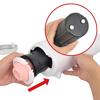 【ホール装着手順4】インナーカップと本体側レールの凹凸が合うようにカップを装填し、右に回してロックします。カップの分割と本体への固定はマグネット式です。