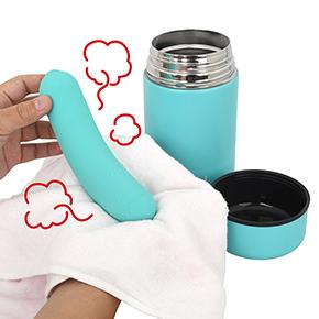 【使用手順3】時間がきたらポットから本体を取り出し、水分を拭き取ります。ほら…もう自重で軽く曲がってますね。