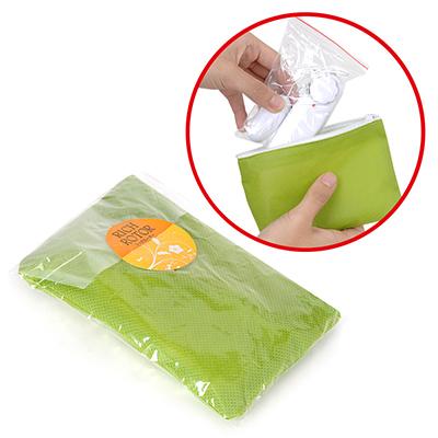おもちゃの収納環境に抜群の不織布を採用した専用袋が標準パッケージという嬉しいセット品。爽やかなアースカラーも清潔感あり。