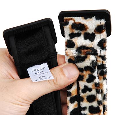 縫製もしっかり縫い付けられ、特に負荷の掛かるところは2重縫いで対応。豹柄拘束4点セットに比べ、見た目も実用性もアップされています。